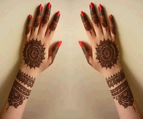 Arabic-back-hand-mehndi-design