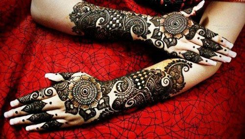 Rich-Back-Hand-Mehndi-Design