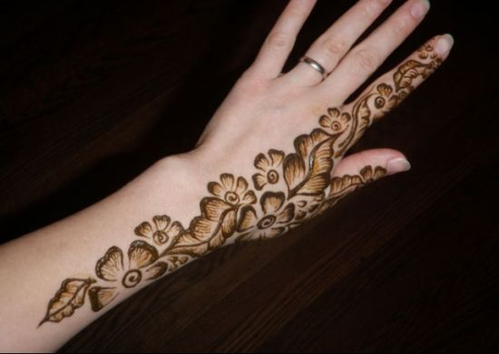 Mehndi Flower Designs For Hands : 24 beautiful mehendi designs for your hands u2013 body art guru