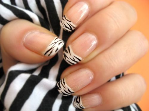 Zebra Nail manicure