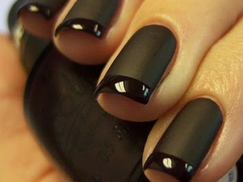 black matte manicures