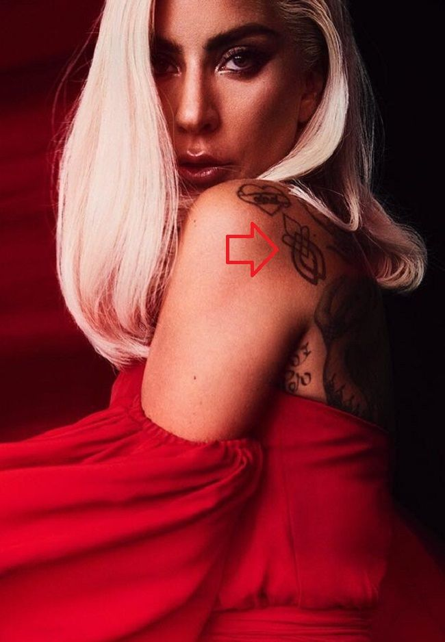 lady gaga-fire rose tattoo