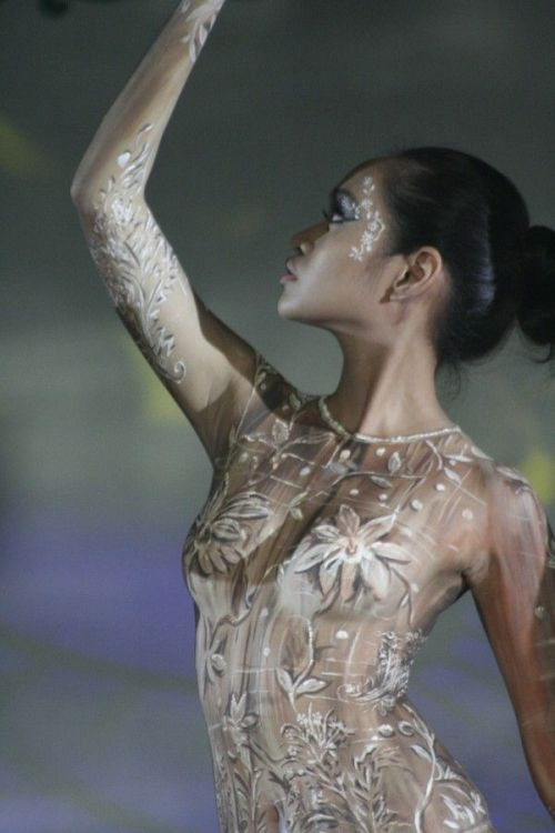 model in body painting show