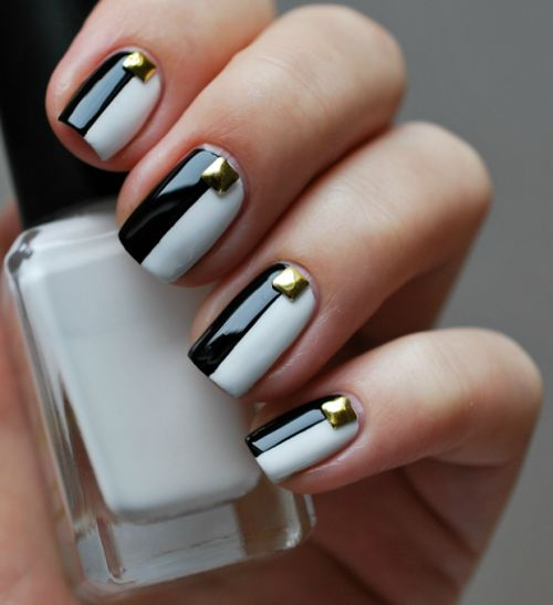 nails-black-and-white