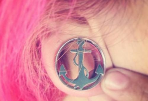 stretching ear lobe