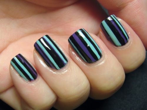 stripe_nail_design