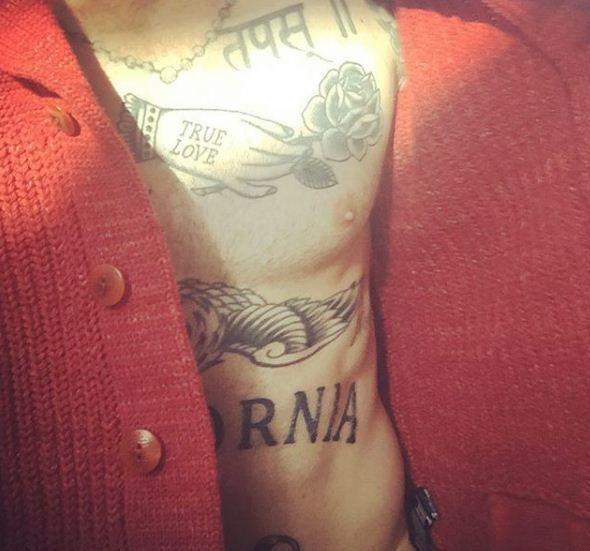 Adam Levine S 26 Tattoos Their Meanings Body Art Guru
