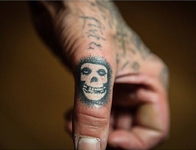 travis barker-crimson ghost-misfits tattoo