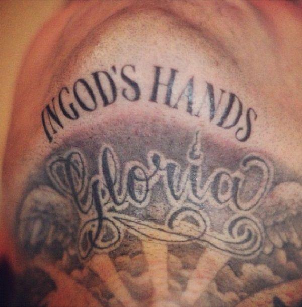 travis barker in gods hand tattoo 1