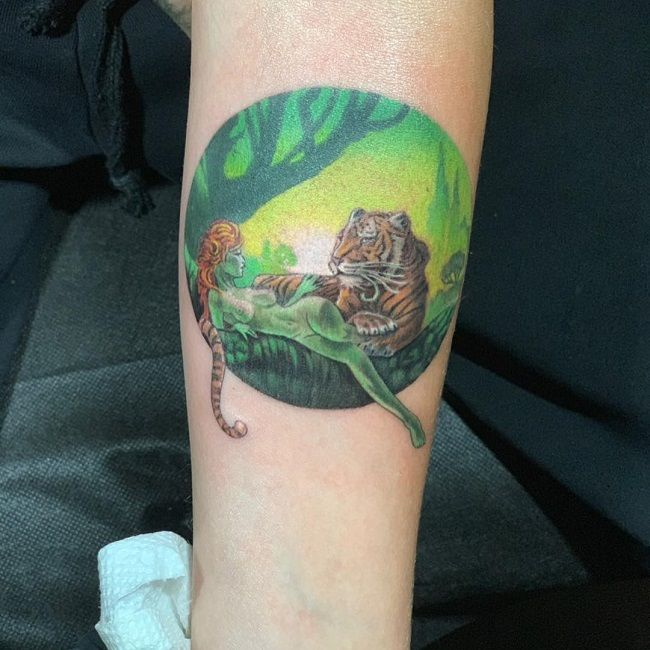 cara delevingne-artwork tattoo