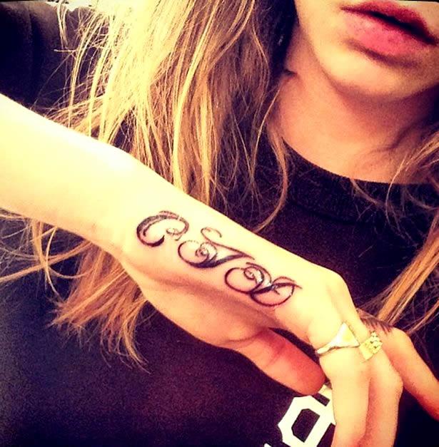 cara delevingne-cjd tattoo