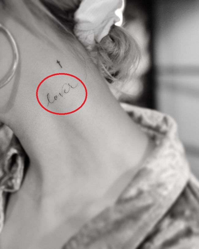 hailey baldwin-lover tattoo