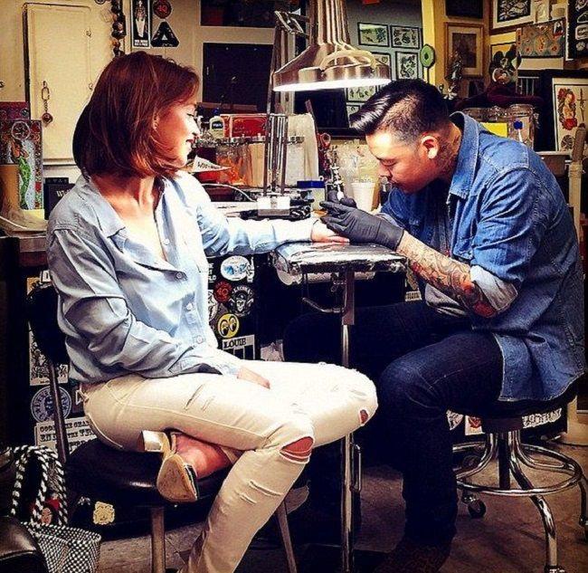 emilia clarke-bumblebee tattoo-dr woo