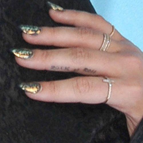 Demi Lovato - Rock n Roll Tatoo
