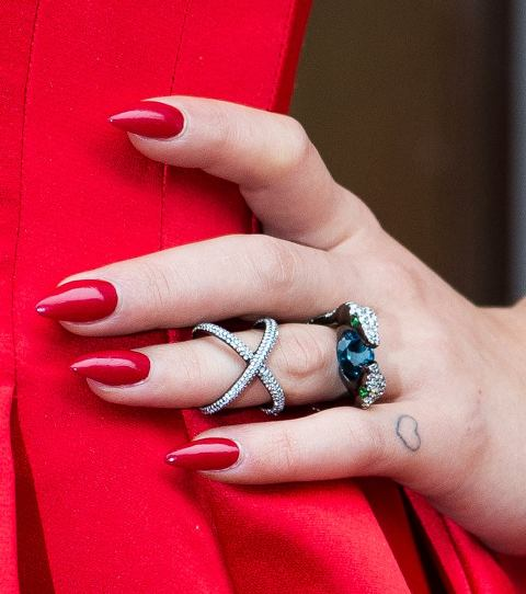 Rita Ora - Heart Tattoo