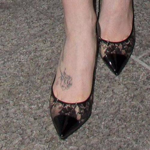 Lily Collins - Rose foot tattoo