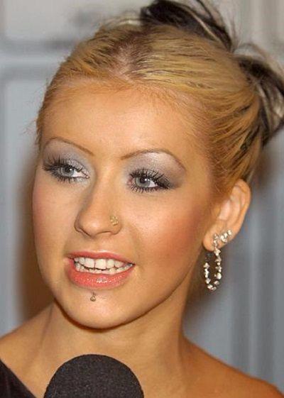 Christina-Augilera-Piercings (3)