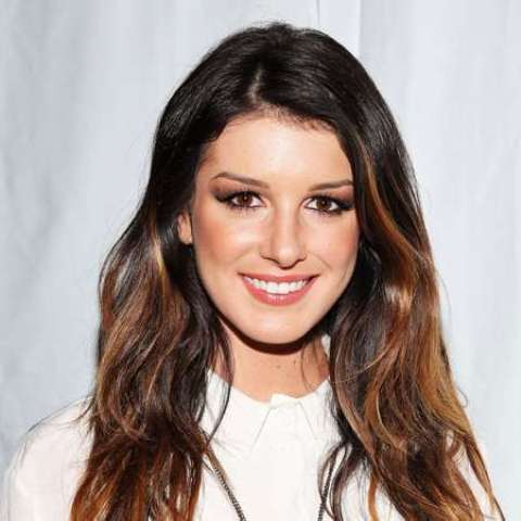 Shenae Grimes tattoos