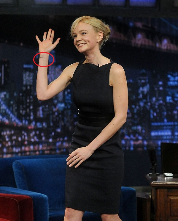 Carey-Mulligan-wrist-tattoo