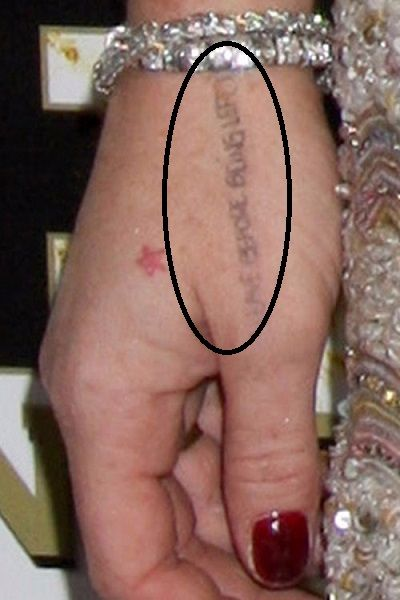 lindsay-lohan-leave-before-being-left-hand-tattoo