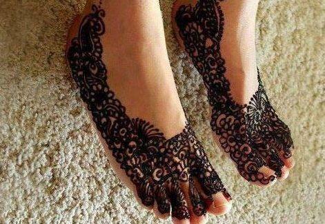 Arabic Tribal Leg Mehndi Design