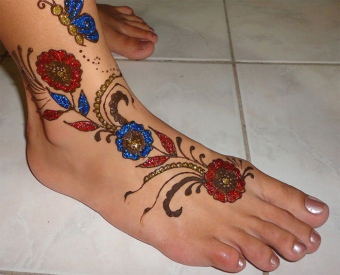 Glitter Arabic Foot Mehndi Design