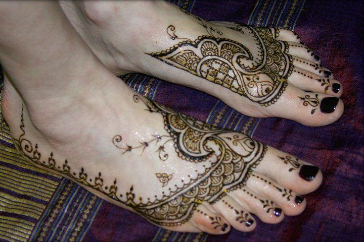 Mirror Effect Mehndi Design