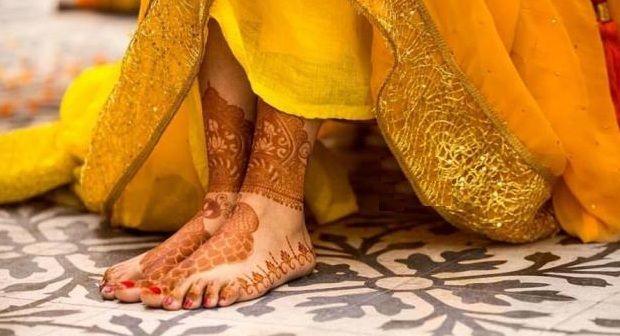 Peacocks Mehndi Feet