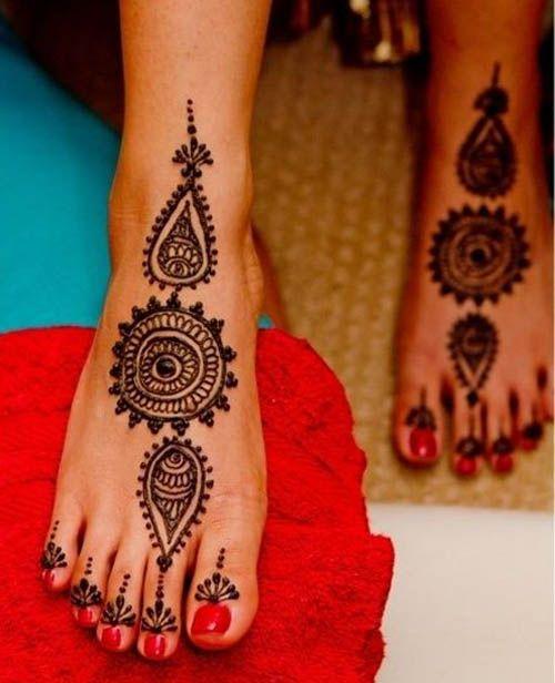 Round Leg Mehndi Design
