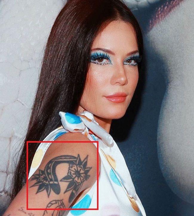 halsey-upside down-horseshoe-tattoo