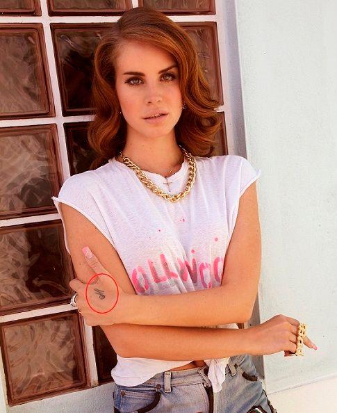 Lana Del Rey M tattoo