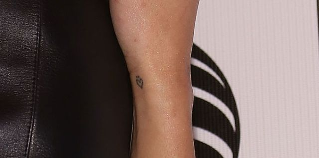 Zoe Kravitz heart tattoo