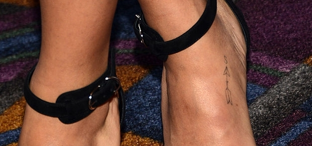Zoe kravitz arrow tattoo