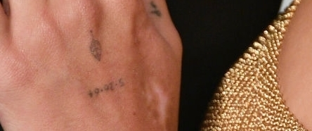 zoe kravitz date tattoo