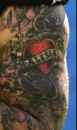 Kenny Vaccaro Roses Tattoo