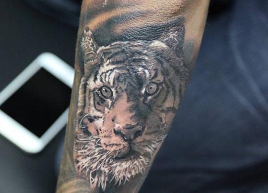 neymar jr tiger tattoo
