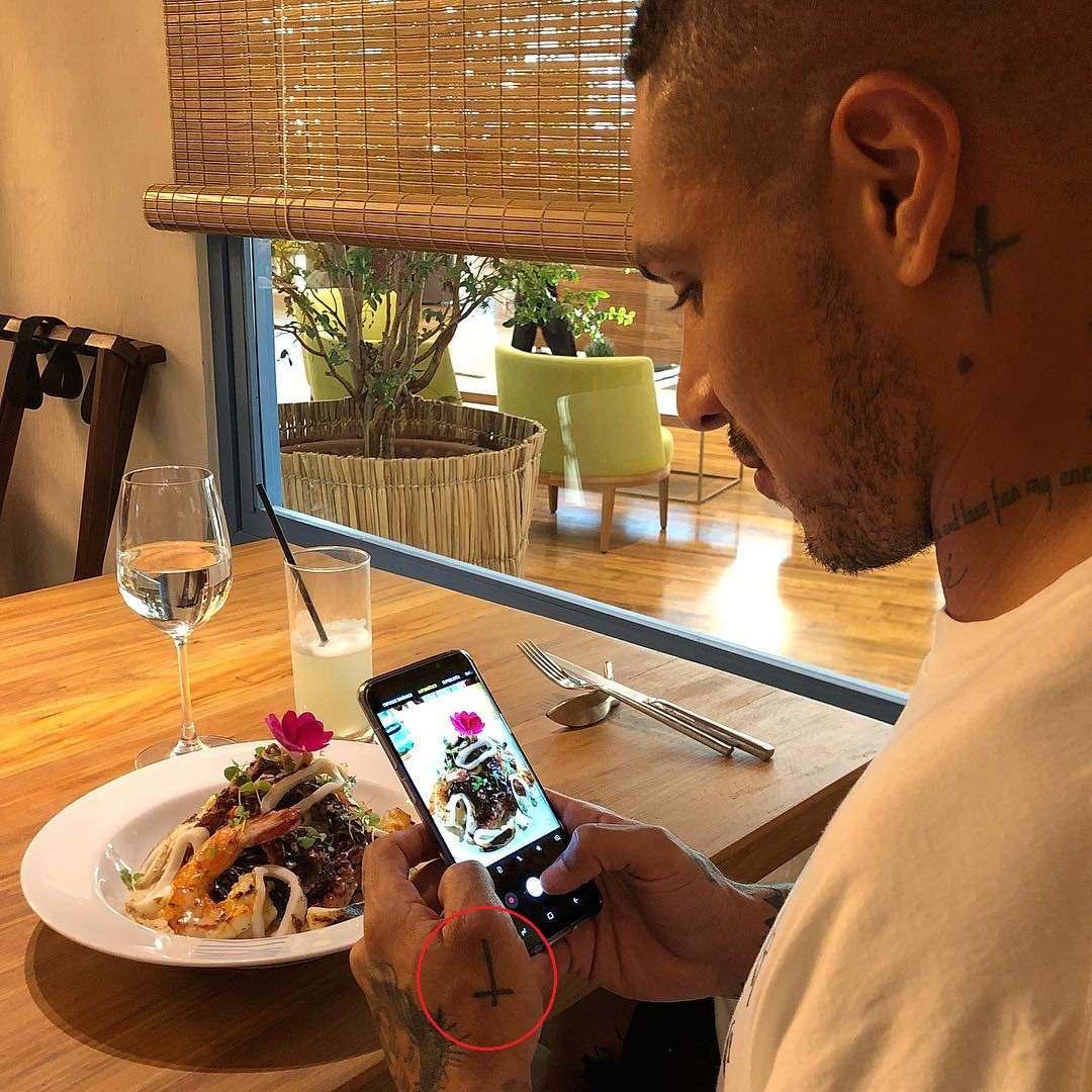 Paolo Guerrero left hand Cross Tattoo