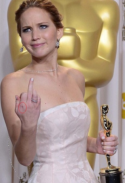 Jennifer Lawrence Hand Tattoo.jpg01