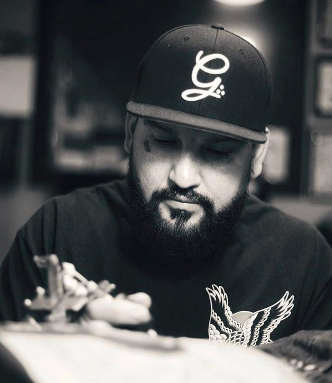 Chente rios-tattoo artist