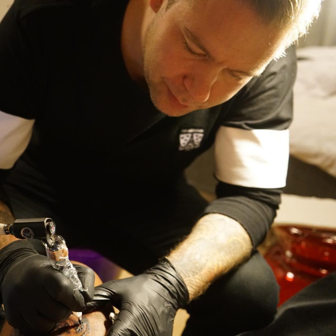 The game-gizmo tattoo procedure