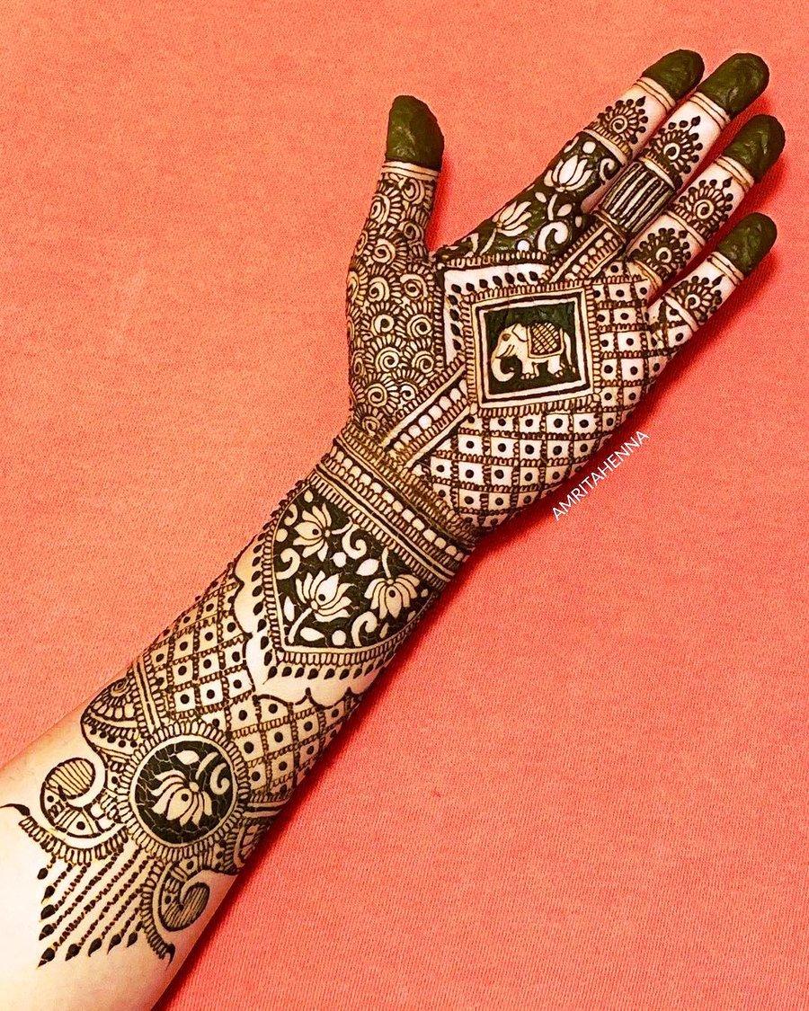 amrita henna