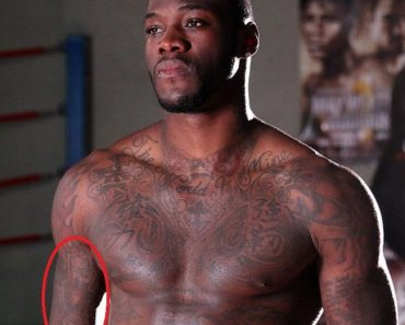 deontay wilder-bronze medal tattoo