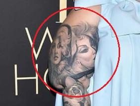 Tess Holliday women tattoo