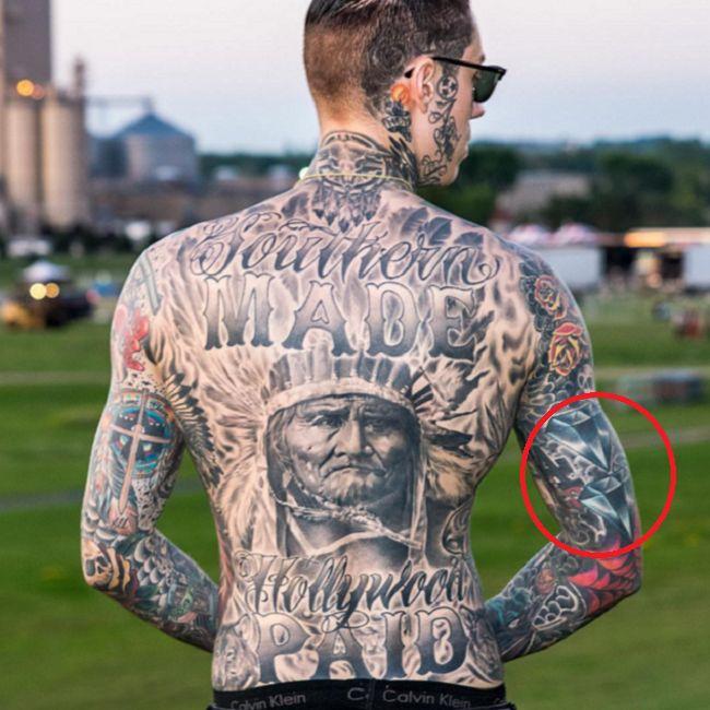 Trace Cyrus-Diamond Tattoo