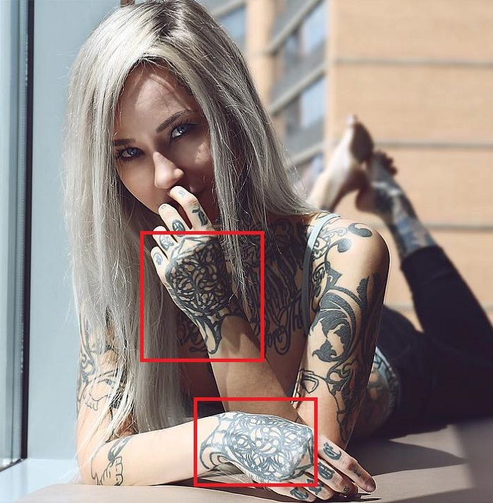 Sara Fabel-Hands-Tattoo (1)