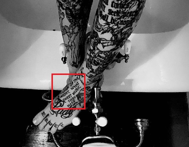 Sara Fabel-Tattoo-Foot