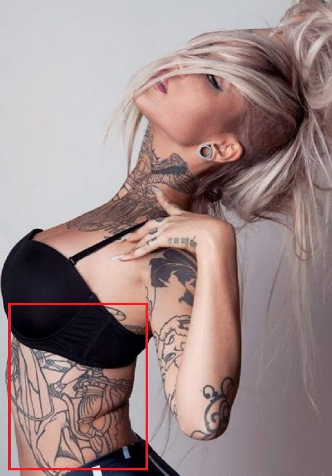 Sara Fabel-Tattoo-Ribcage