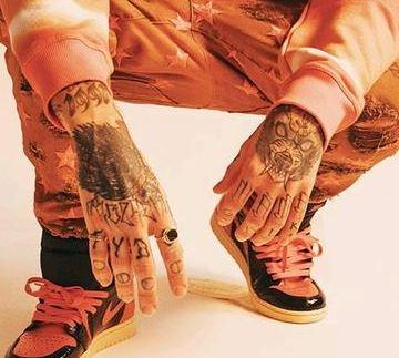 Yzomandias hand Tattoos
