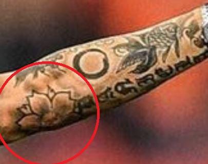 Fabio flower Tattoo-