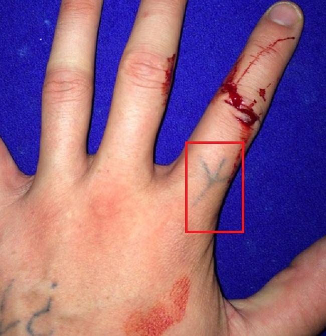 Cole Mohr-Tattoo-Finger
